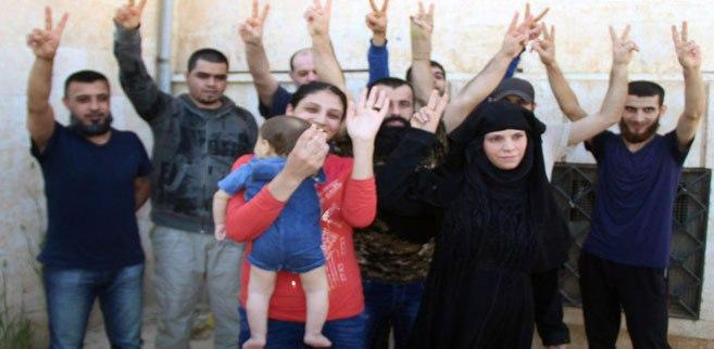 Photo of Nine abductees held by terrorist groups in Aleppo countryside freed