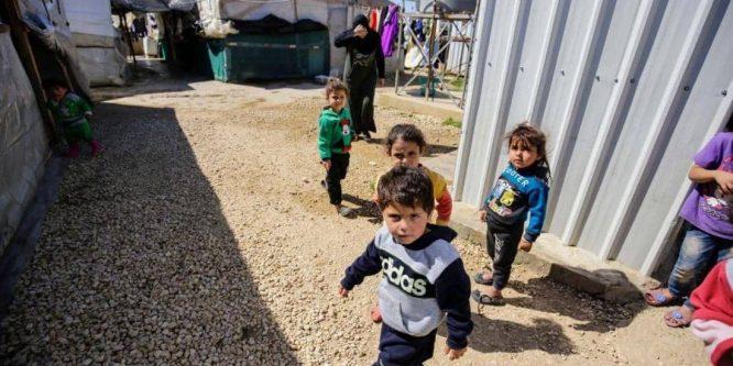 تحذيرات غربية من قرار لبناني يشرّد 15 ألف طفل سوري