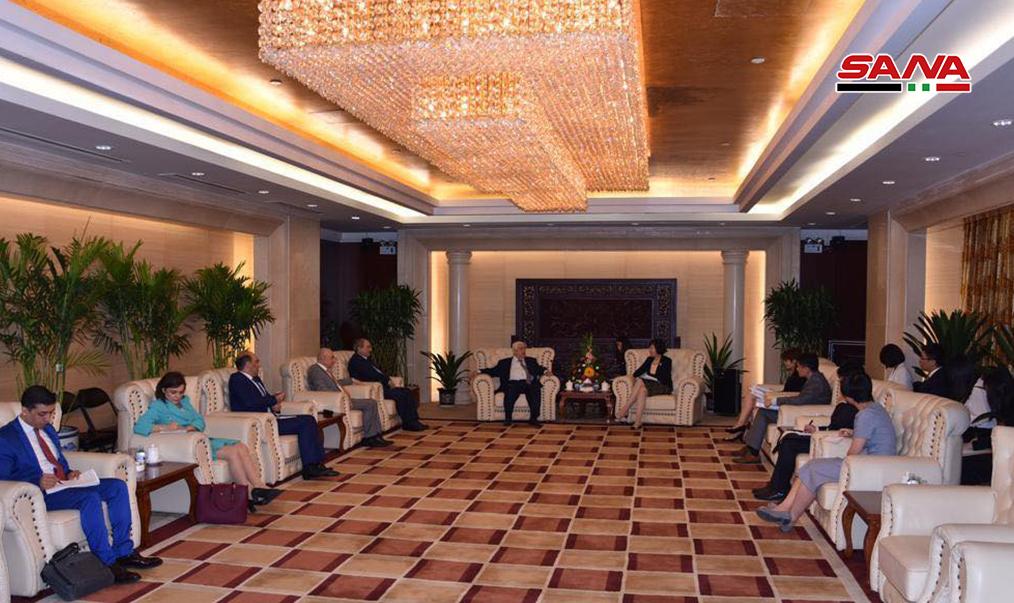 """Photo of لقاءات دبلوماسية تعزيزاً للتعاون """"السوري- الصيني"""" بمرحلة إعادة الإعمار"""