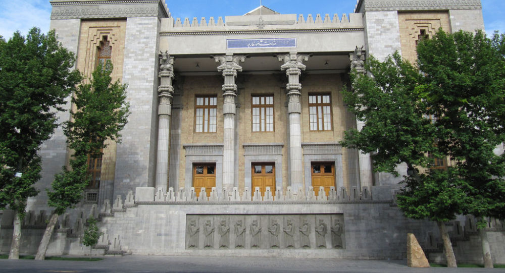 Photo of الخارجية الإيرانية: طهران لن تبحث قضايا خارج نطاق الاتفاق النووي