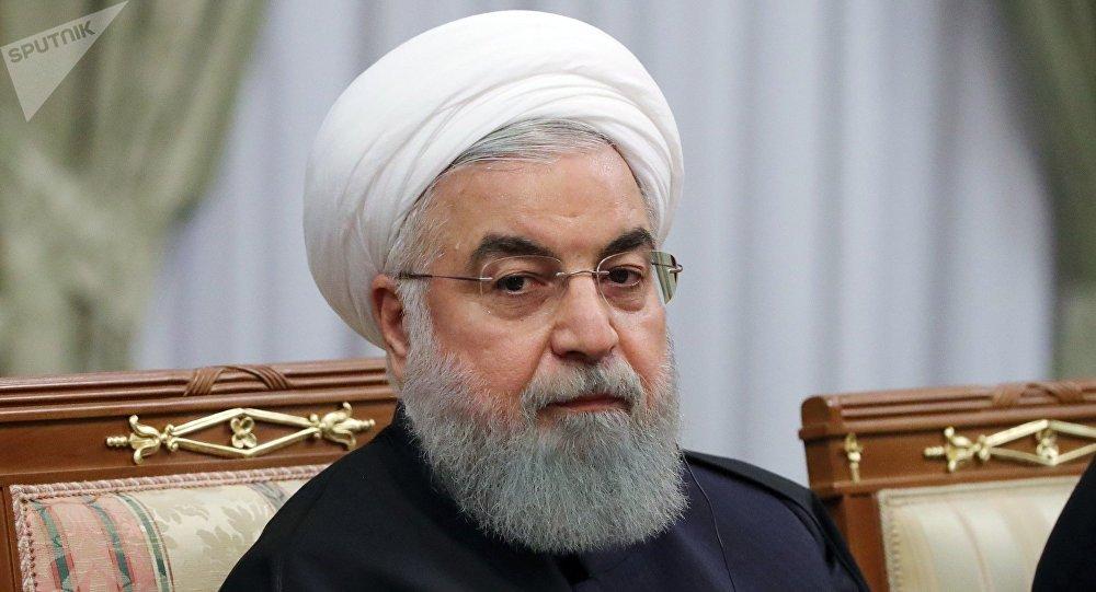 Photo of روحاني: إيران مستمرة في الالتزام بالاتفاق النووي