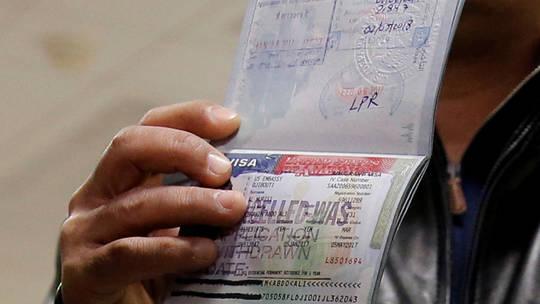 Photo of واشنطن تطالب جميع المتقدمين للتأشيرة بكشف معلومات عن صفحاتهم في شبكات التواصل