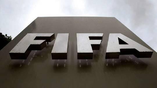 """Photo of """"الفيفا"""" يؤكد توقيف رئيس الاتحاد الإفريقي لكرة القدم"""