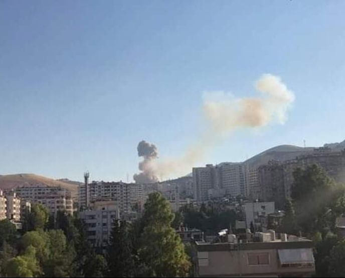 Photo of مصدر عسكري سوري يكشف سبب انفجار في موقع للجيش غربي دمشق