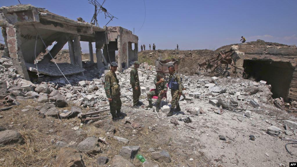 Photo of إصابة عسكريين سوريين بتفجير انتحاري خلال اقتحام الجيش منطقة في ريف درعا