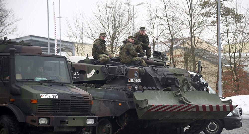 Photo of كبديل.. امريكا تدعو ألمانيا لنشر قواتها البرية في سوريا
