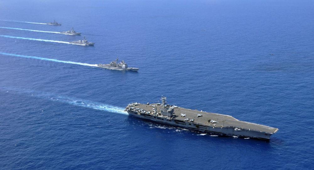 Photo of الأسطول الأمريكي: ننسق مع البحرية البريطانية وحلفاء آخرين لحماية الملاحة
