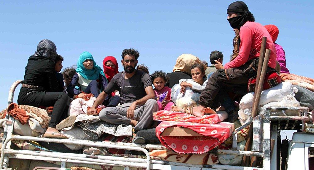 Photo of أكثر من 100 عائلة نازحة تعود إلى سكنها بين العراق وسوريا