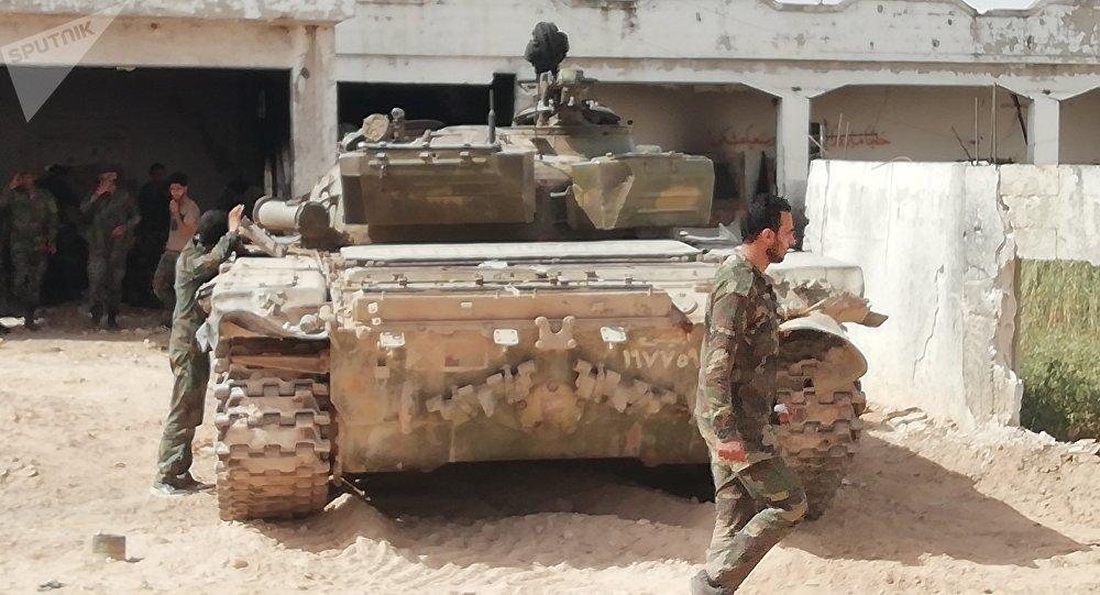 Photo of الجيش يتقدم شمالاً ويستعيد طريقاً استراتيجياً بريف حماة