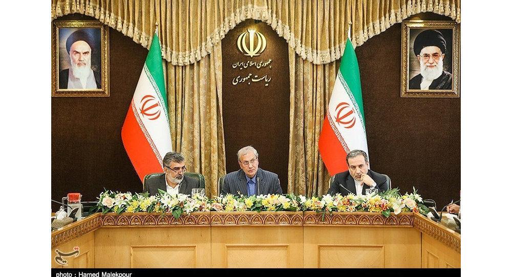 """Photo of إيران: يمكننا استعادة العمل في مفاعل """"آراك"""" وتخصيب اليورانيوم لأي مستوى وكمية"""