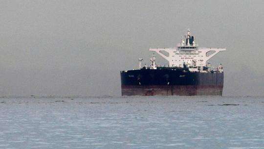 Photo of إجراءات أمنية مشددة وحراسة عسكرية للناقلات في الخليج