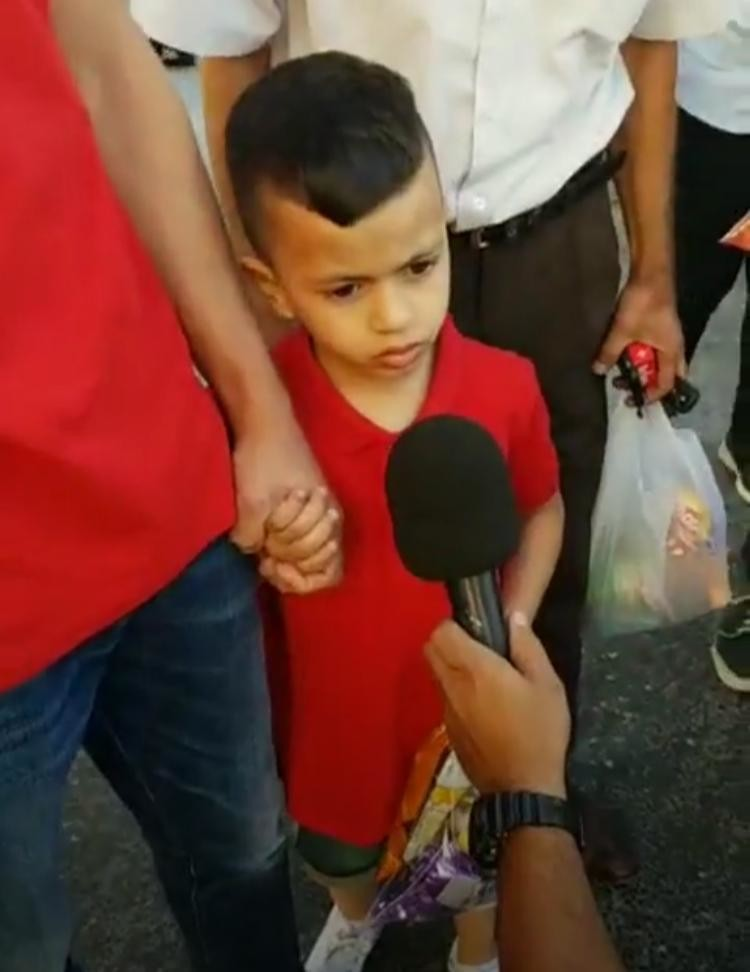 Photo of الاحتلال الإسرائيلي يحقق مع طفل فلسطيني عمره 4 سنوات(صور)