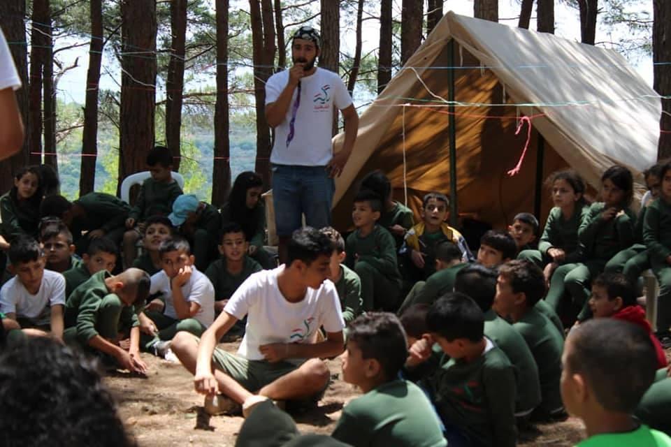 """Photo of ضحك وحُبّ وتعليم.. معسكر """"راية الشهيد"""" لأبناء الشهداء مستمر بعامه السادس على التوالي(صور)"""