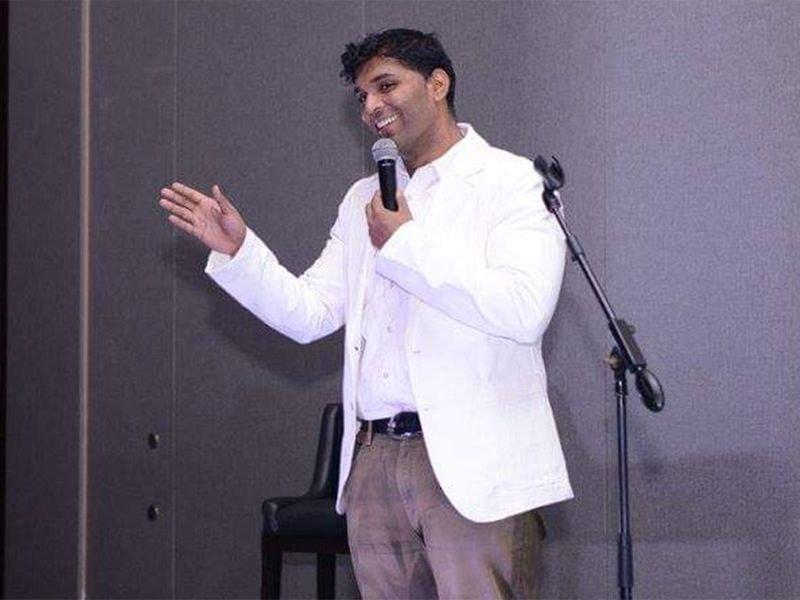 """Photo of المزحة"""" تتحول إلى """"مأساة""""… ممثل كوميدي يتوفى أمام الجمهور في دبي"""