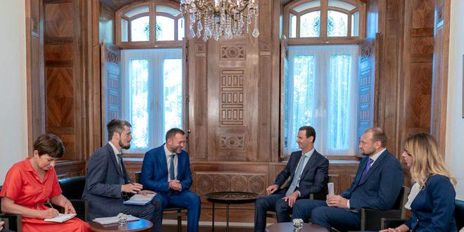 Photo of الرئيس الأسد لوفد روسي: الشعب والجيش مصممان تحرير آخر شبر من الأراضي السورية