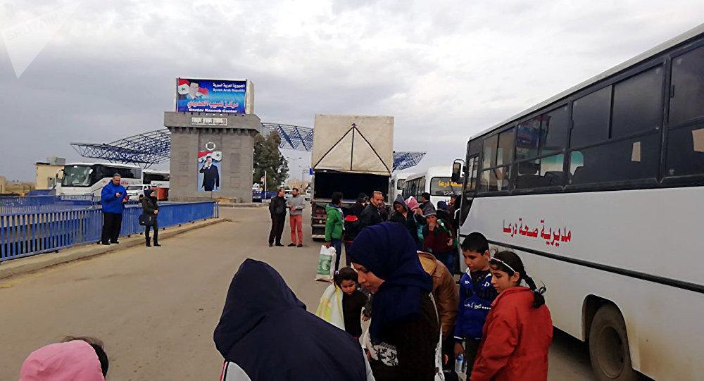 Photo of عودة أكثر من 950 سوريا لبلادهم من الأردن ولبنان