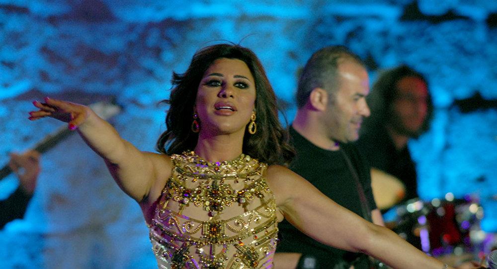 Photo of اقتحام مسرح حفل نجوى كرم في سوريا(فيديو)