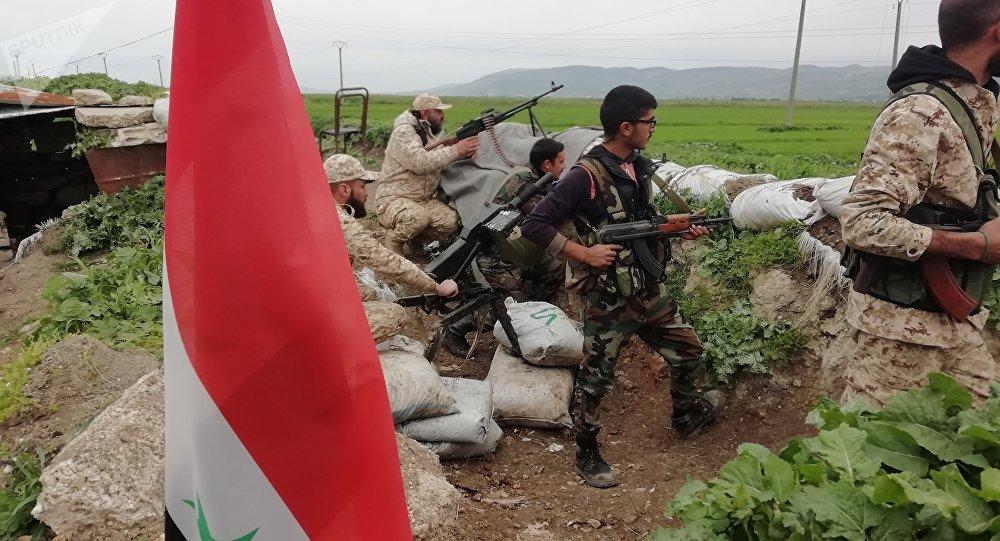 Photo of الجيش يفتح معبرا في الجيب المحاصر بريف حماة