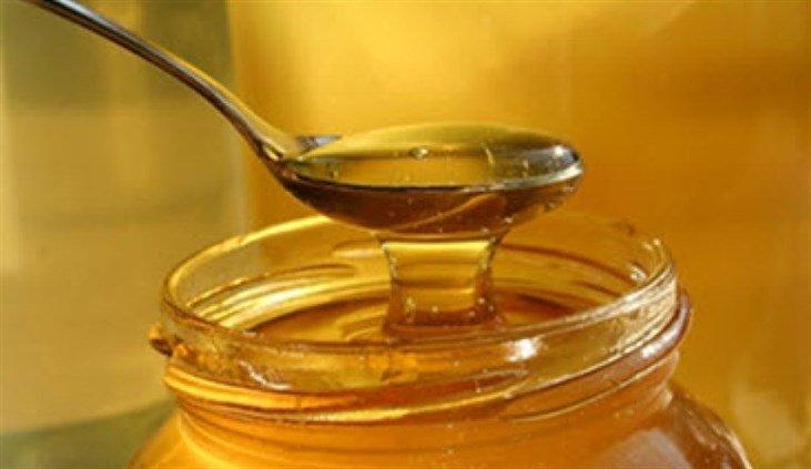 Photo of 10 فوائد مدهشة للعسل على صحة الشعر والبشرة