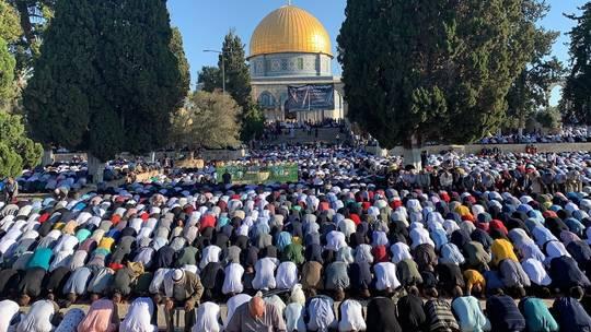Photo of الرئاسة الفلسطينية تدين اقتحام الشرطة الإسرائيلية للأقصى