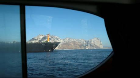 Photo of التلفزيون الإيراني: تعطل ناقلة نفط إيرانية في البحر الأحمر