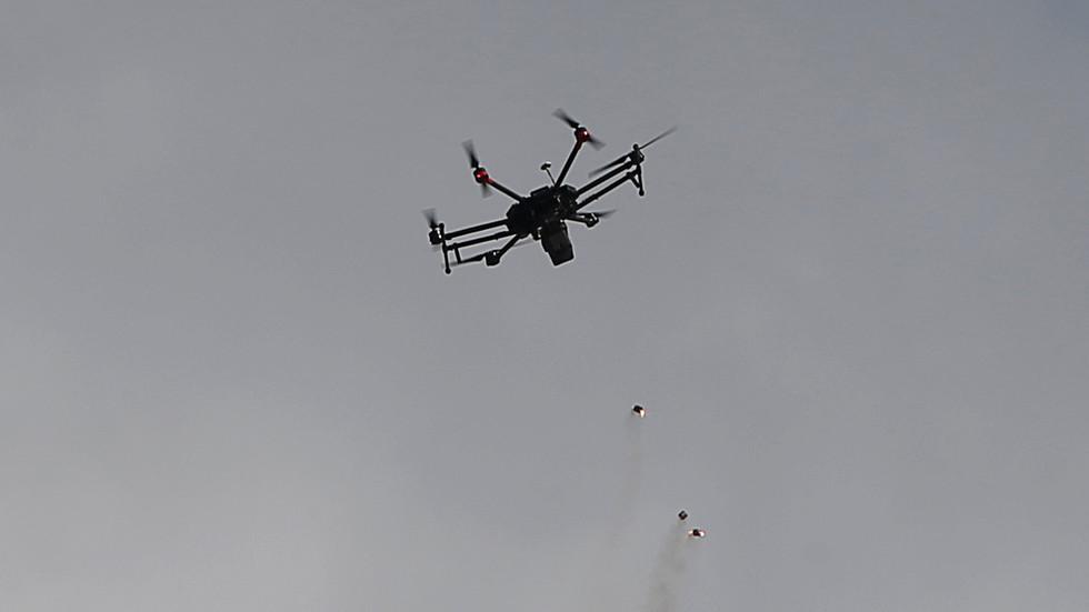Photo of الحشد الشعبي العراقي: إسرائيل قصفت مواقعنا في القائم بتغطية من الطيران الأمريكي