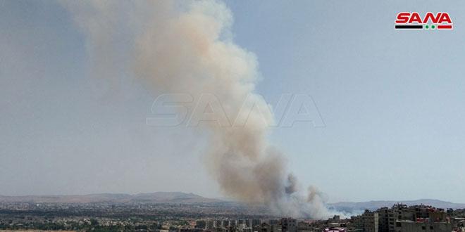 Photo of إخماد حريق ضخم في داريا جنوب غرب دمشق بعد ساعات متواصلة