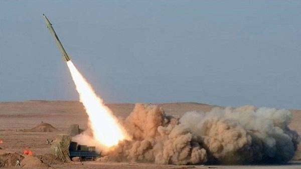 "Photo of ""المقاومة اليمنية"" تطلق صاروخاً باليستياً يستهدف غرفة عمليات التحالف في جيزان"