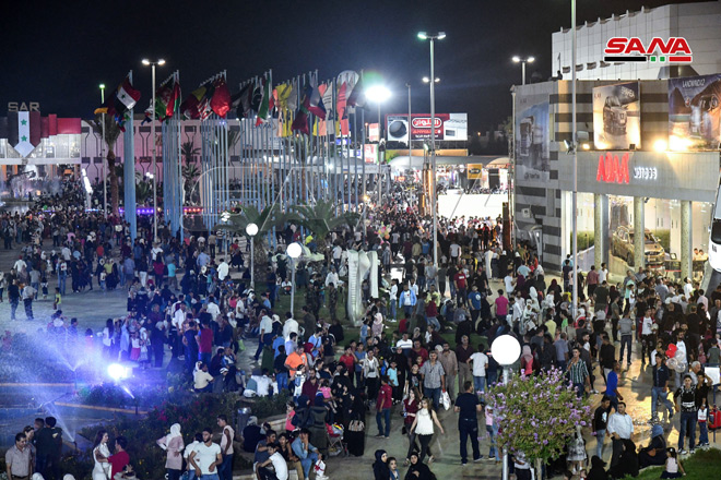 Photo of في يومه الثالث.. (205) آلاف زائر لمعرض دمشق الدولي