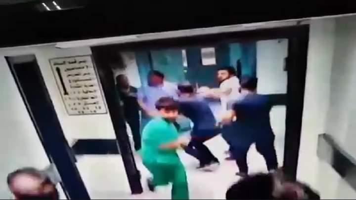 Photo of المعتدون بالضرب على الطبيب في مشفى المجتهد بدمشق في قبضة العدالة
