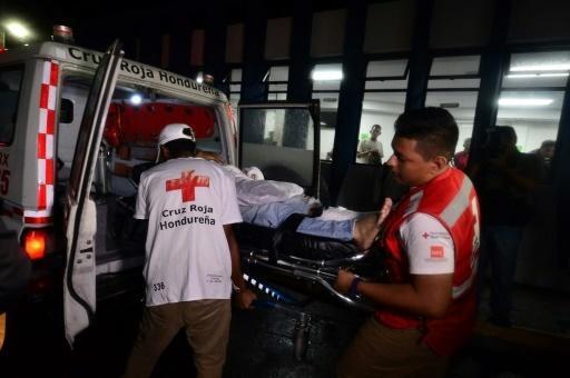 Photo of ثلاثة قتلى وسبعة جرحى في أعمال شغب بين مشجعين لكرة قدم في هندوراس