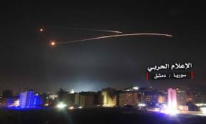 Photo of دمشق تتصدى لعدوان اسرائيلي وتسقط صواريخه قبل بلوغ أهدافها(فيديو)