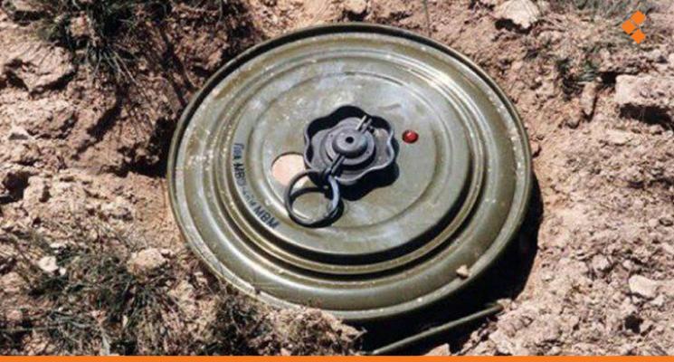 Photo of انفجار لغم في ريف حماة الشمالي يودي بحياة مدنيين ويصيب آخرين