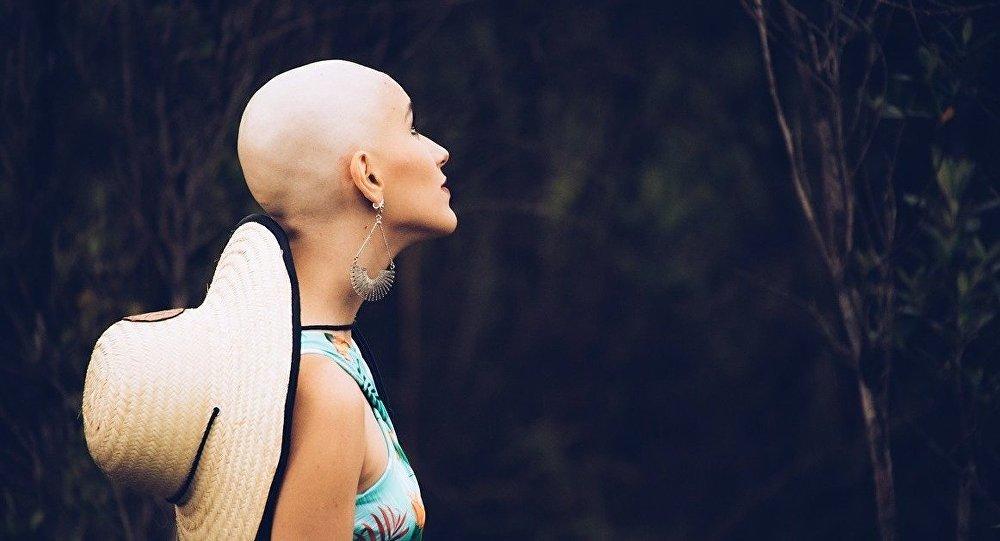 Photo of علاج جديد يمنع تساقط شعر مرضى السرطان