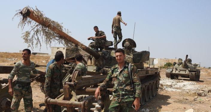 Photo of الجيش يعثر على قاعدة كبيرة للإرهابيين في محيط خان شيخون