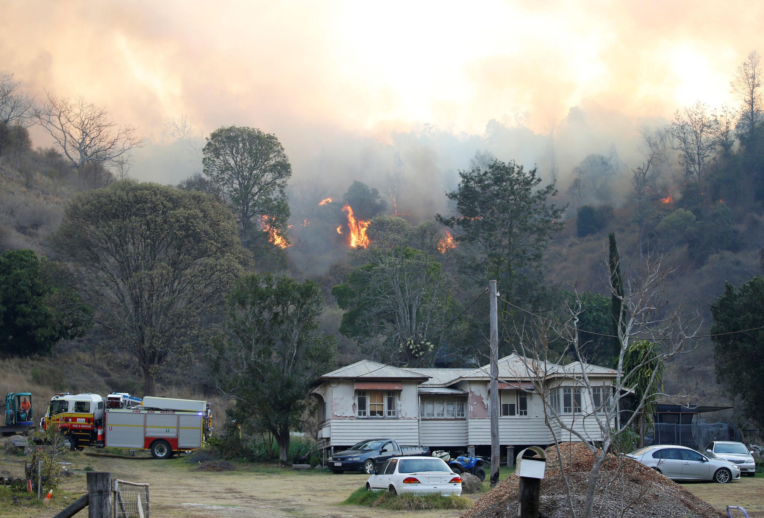 Photo of حرائق الغابات في أستراليا تتجاوز المئة