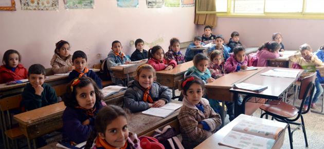 Photo of تقسيم الدوام في المدارس المكتظة بالسويداء إلى قسمين