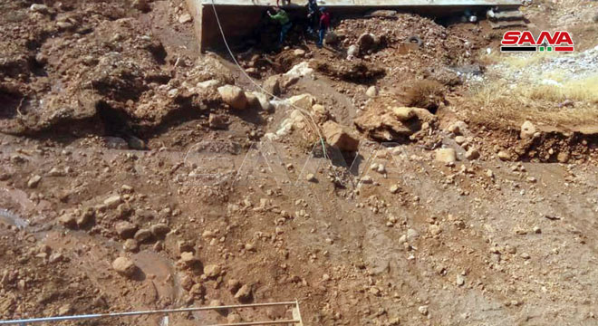 Photo of بالصور- أضرار بمنازل الأهالي وإغلاق للشوارع إثر العاصفة المطرية في قلعة جندل بريف دمشق