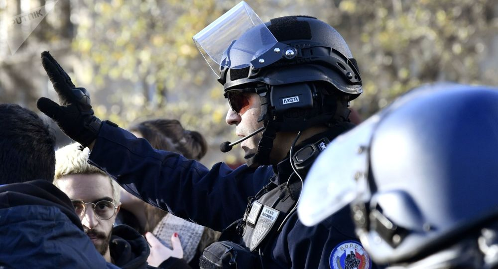 Photo of فرنسا تسقط الجنسية عن مواطن مغربي حاول الوصول إلى سوريا