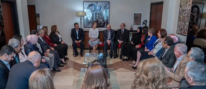 "Photo of ""سيدة الياسمين"" تستقبل مدراء المدارس التي كان طلابها من الأوائل"