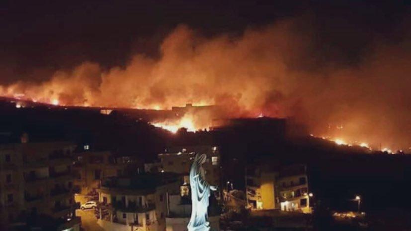 Photo of السيطرة على معظم الحرائق في اللاذقية وطرطوس وحمص وفرق الإطفاء تواصل عملها لإخماد ما تبقى منها