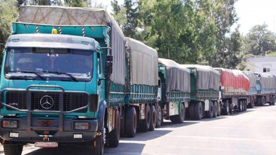 Photo of أصحاب السيارات الشاحنة السورية يشكون الرسوم المرتفعة