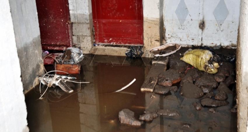 Photo of أضرار بالمنازل والأقبية جراء الأمطار الغزيرة بالسويداء