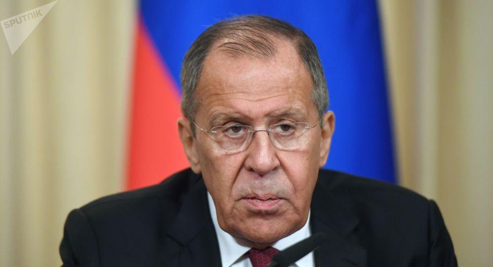 Photo of لافروف: هناك من يريد إفشال أعمال اللجنة الدستورية