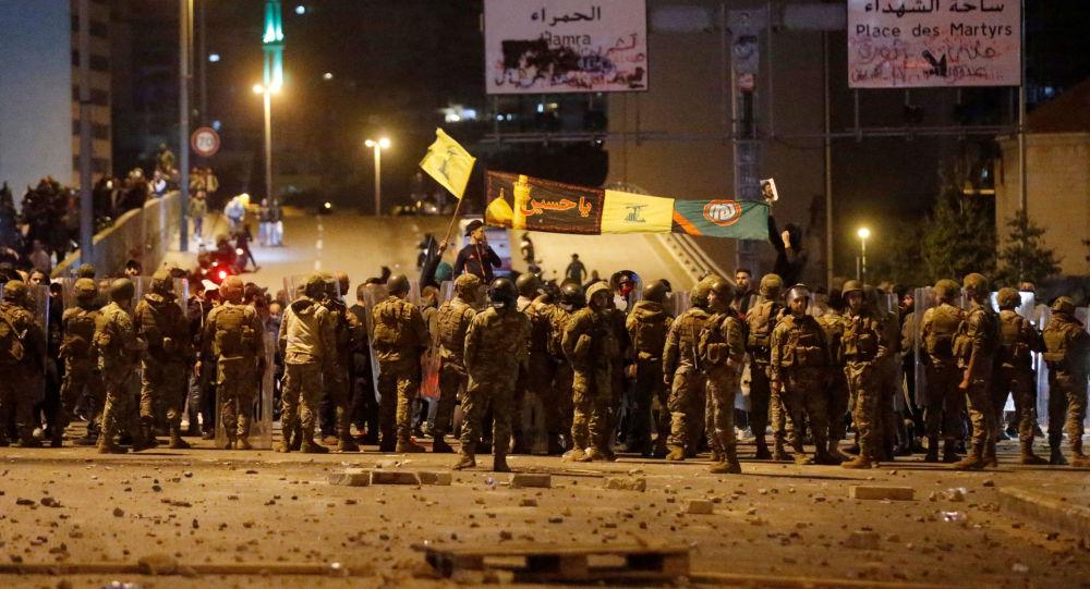 Photo of الوكالة الرسمية: اشتباكات وإطلاق نار بلبنان في ثاني ليلة من العنف