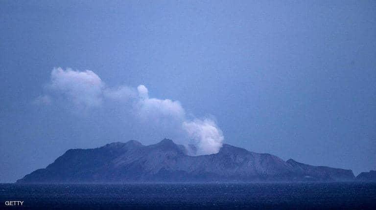 "Photo of بركان نيوزلندا قتل 17 شخصا.. وبحث ""بلا فائدة"" عن جثتين"