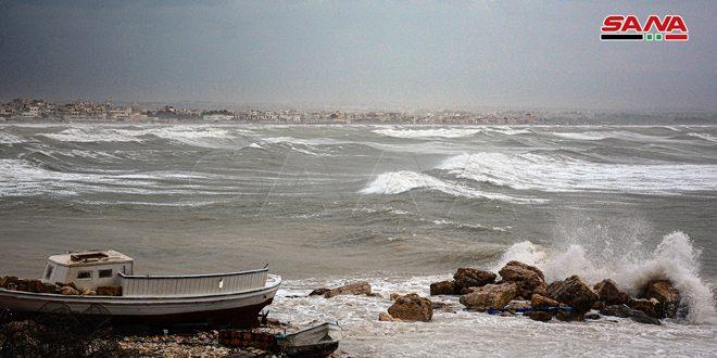 Photo of إغلاق الموانئ في اللاذقية و طرطوس بسبب حالة الطقس