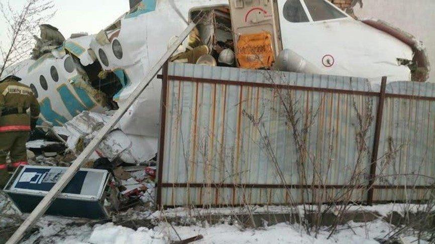 Photo of قتلى بسقوط طائرة تقل 100 شخص في كازاخستان