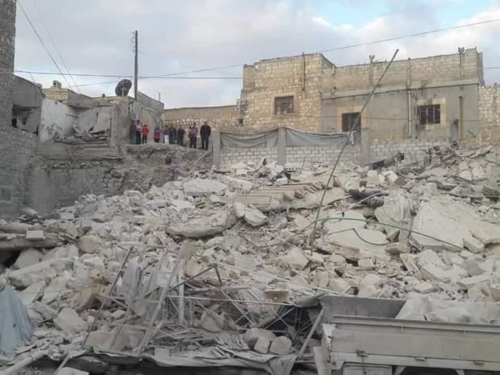 Photo of ضحايا وجرحى بانهيار مبنى بحلب القديمة(صور)