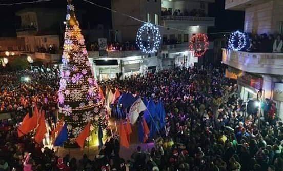 إضاءة شجر الميلاد في سوريا (صور)